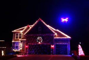 3 Tips for Decorating Your Home's Exterior During the Holiday Season